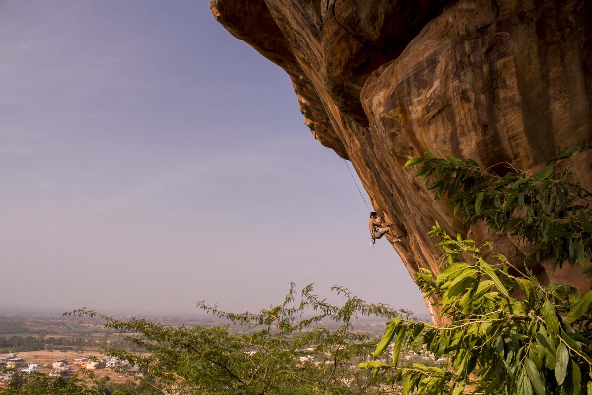 Abhishek working Ganesha 8b+, the hardest sport climb in India, 181 kb