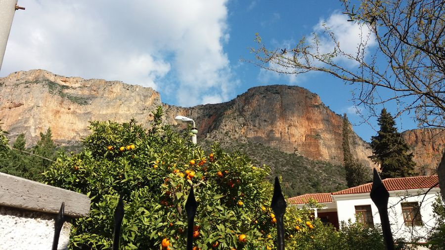 The 200m high Kokkinovrachos (Red Rock) dominates the town, 136 kb