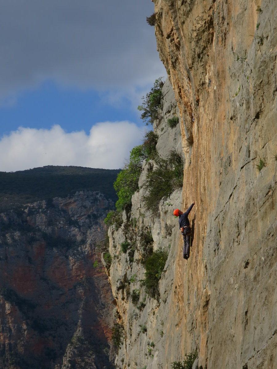 Rab Carrington on 'the grey'; Kairos at Sector Hot Rock, 227 kb