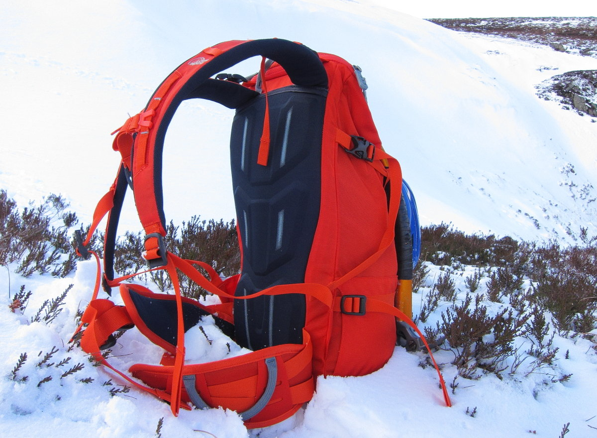 The back padding is basic and not particularly well vented, but it does shed snow, 229 kb