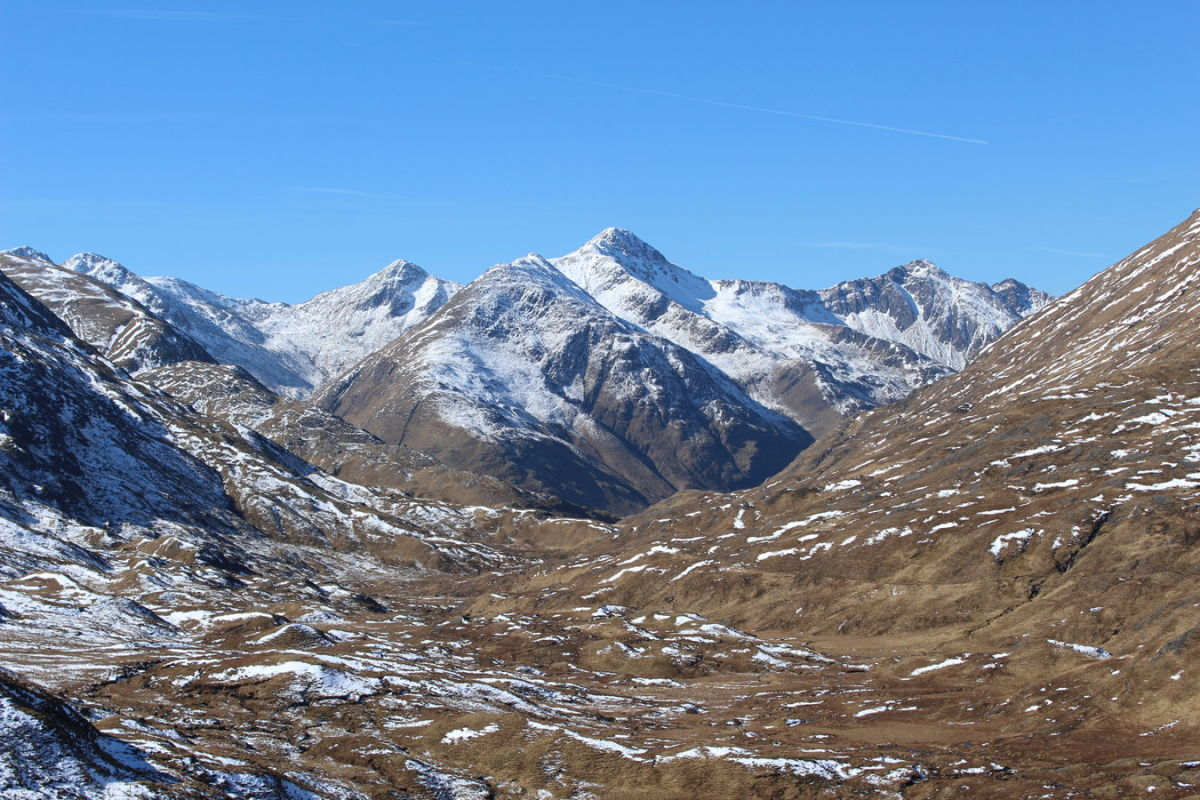 The Five Sisters from upper Glen Affric , 218 kb