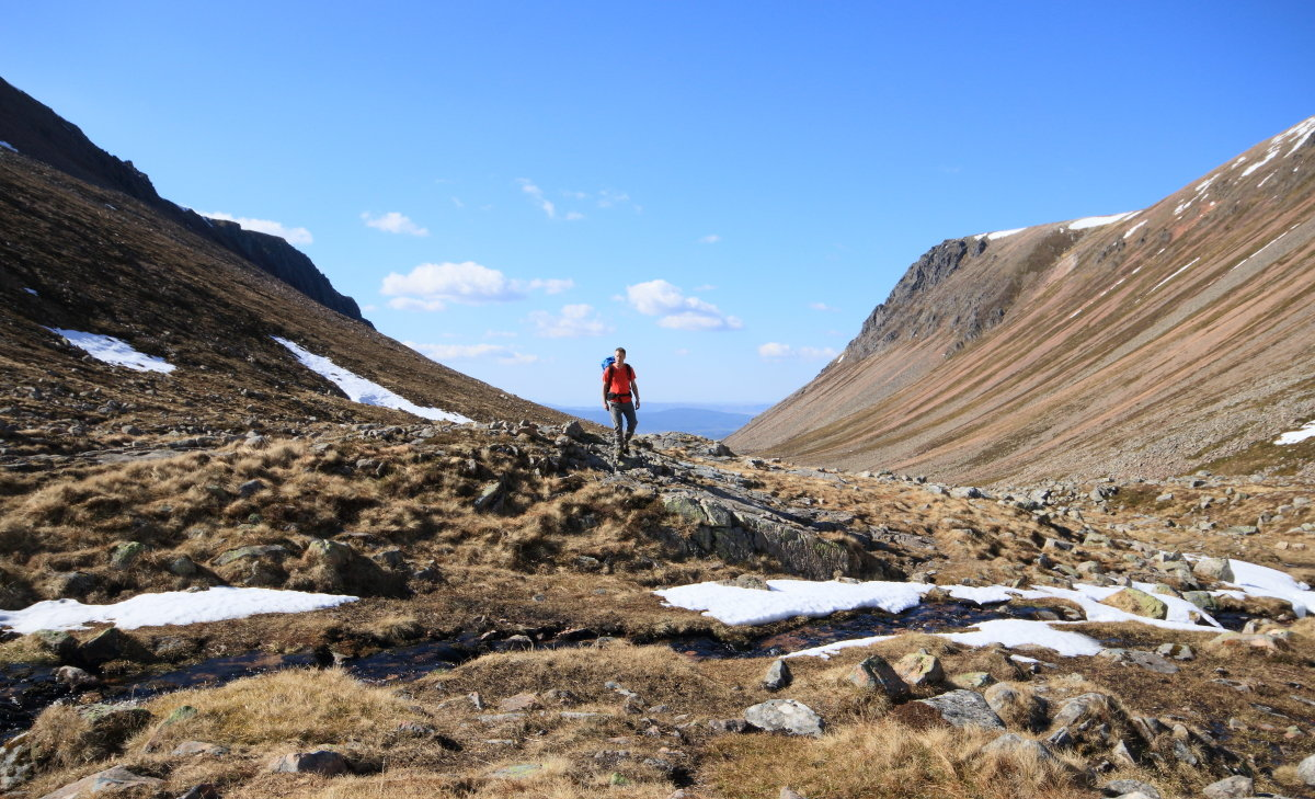 Through the Lairig Ghru, Britain's greatest mountain pass, 245 kb
