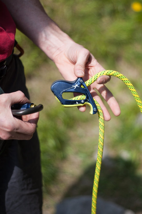 Assisted Breaking Belay Device Review - Salewa Ergo 1, 82 kb