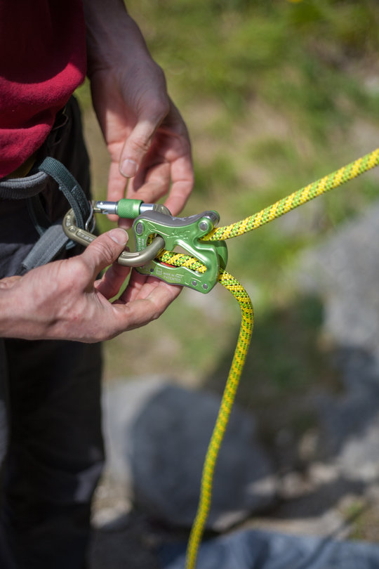 Assisted Breaking Belay Device Review - CT Click Up 1, 77 kb