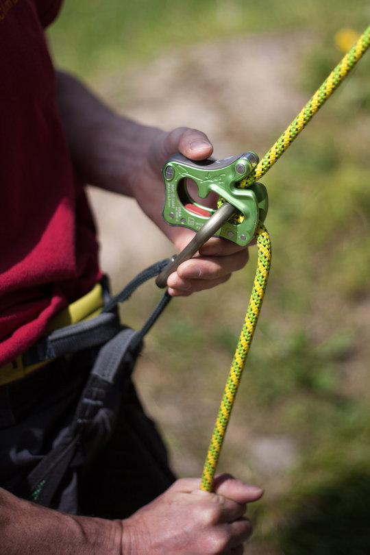 Assisted Breaking Belay Device Review - CT Click Up 4, 76 kb