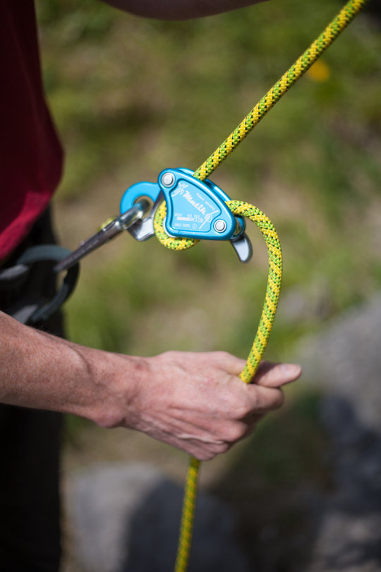 Assisted Breaking Belay Device Review - CAMP Matik 2, 72 kb