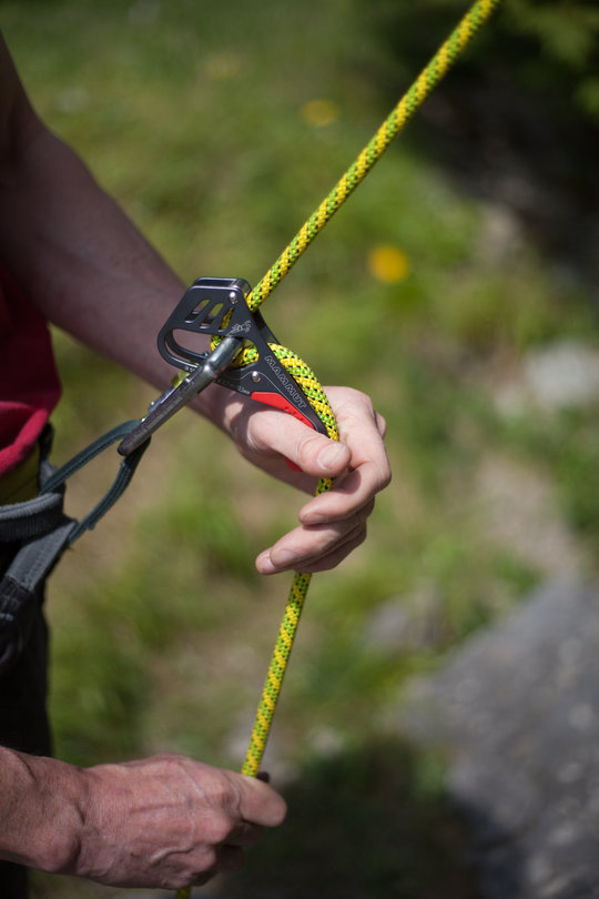 Assisted Breaking Belay Device Review - Mammut Smart 4, 72 kb