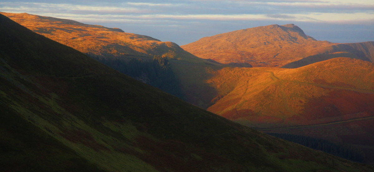 Autumnal light on Aran Fawddwy, 92 kb