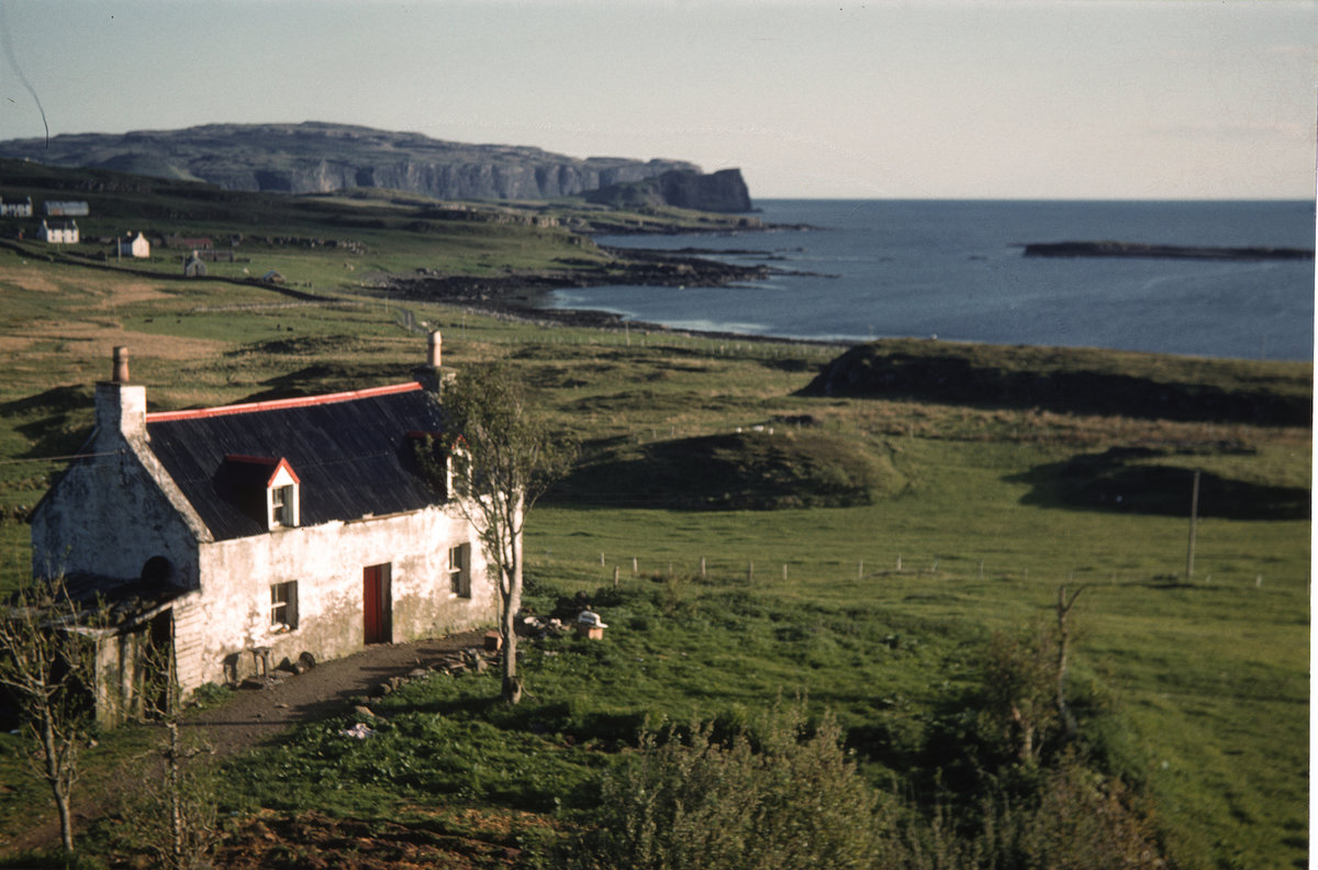 Skye Cottage and Oronsay, 209 kb