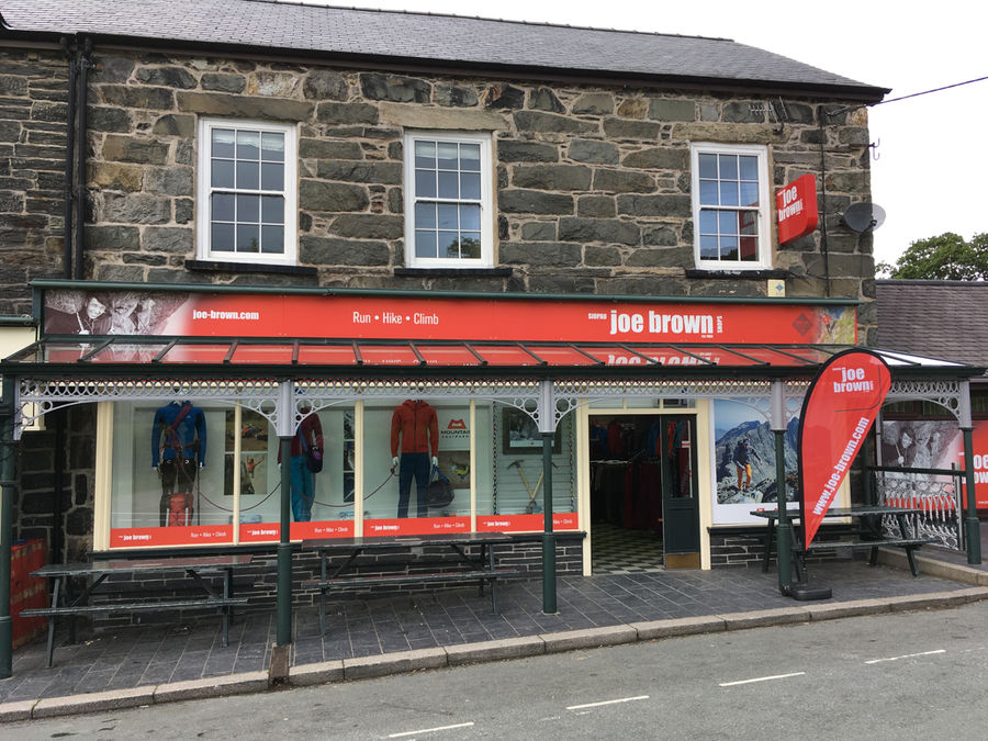 The new and improved Capel Curig shop, 166 kb