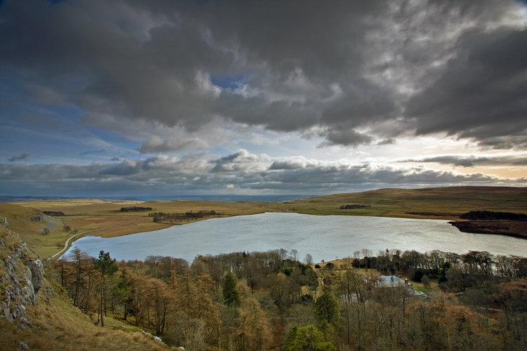 Premier Post: Cook at Malham Tarn - only 3km from Malham Cove, 119 kb