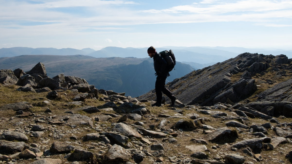 Above Bowfell's Great Slab, 197 kb