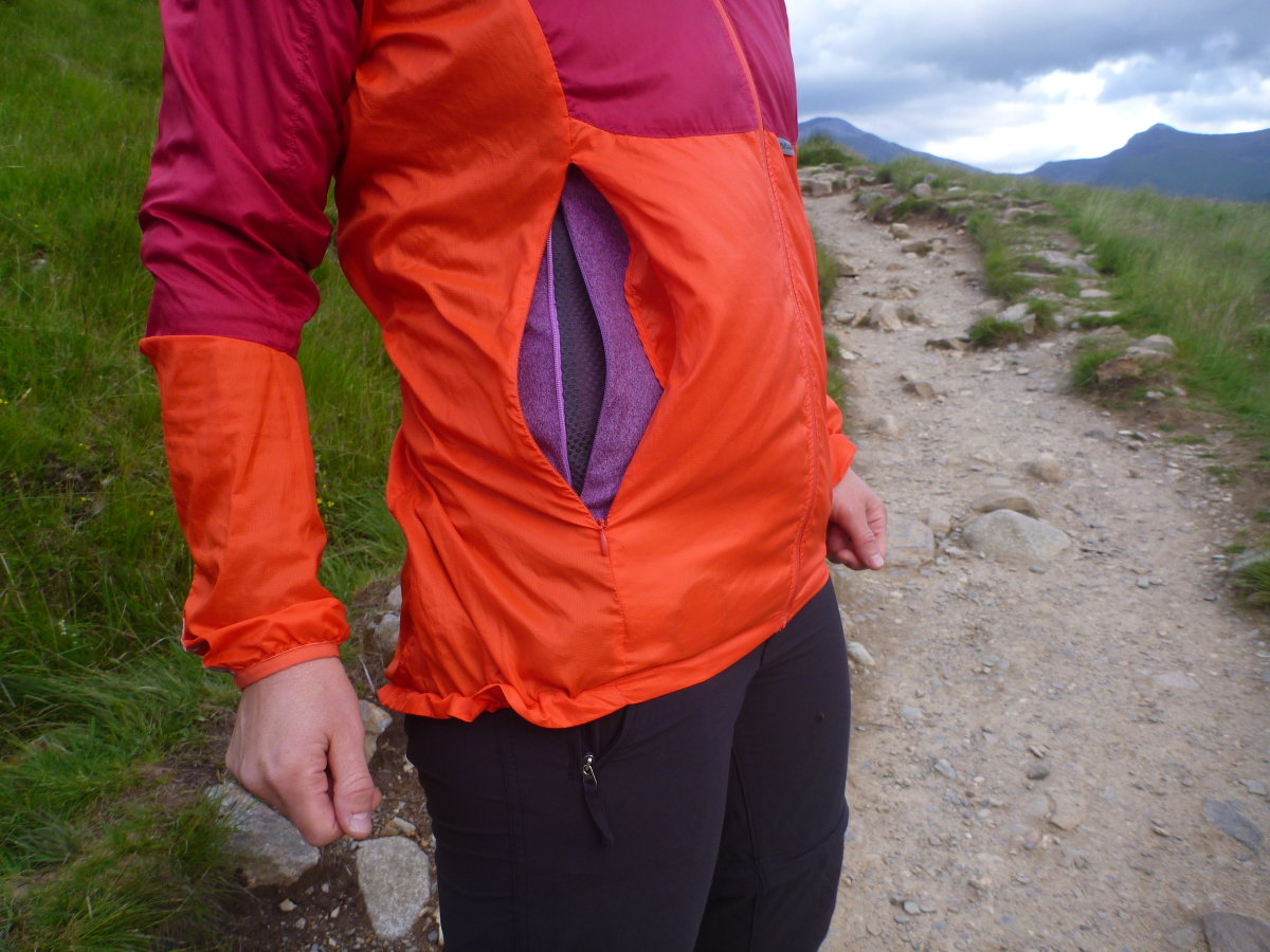 The zipped vents work well with the pockets on the Alize Fleece, 190 kb