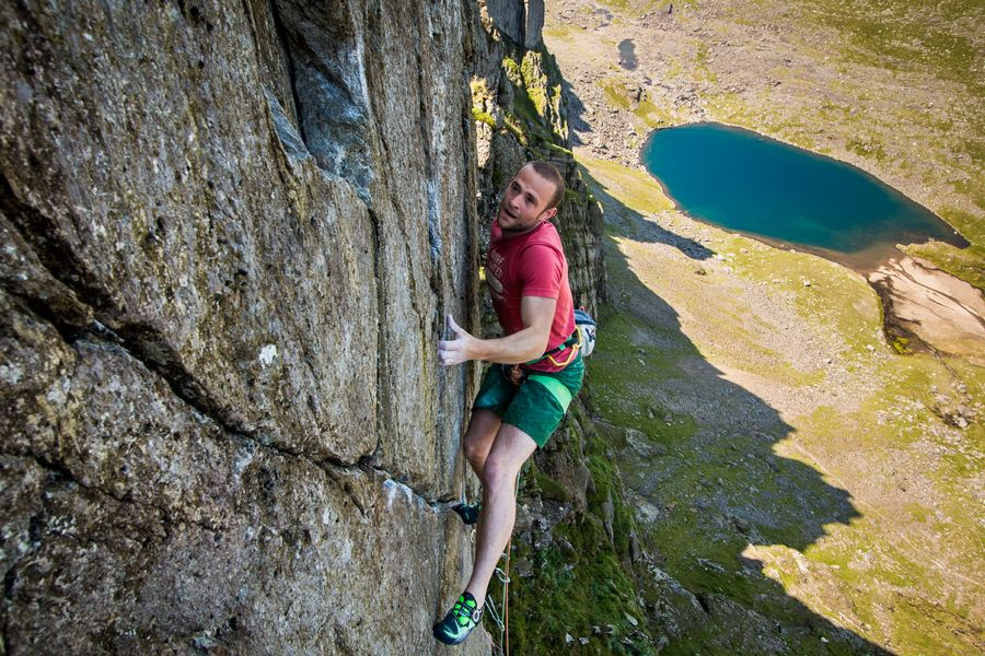 Alex Mason on the first ascent of The Cwm Face E7 6c, 196 kb