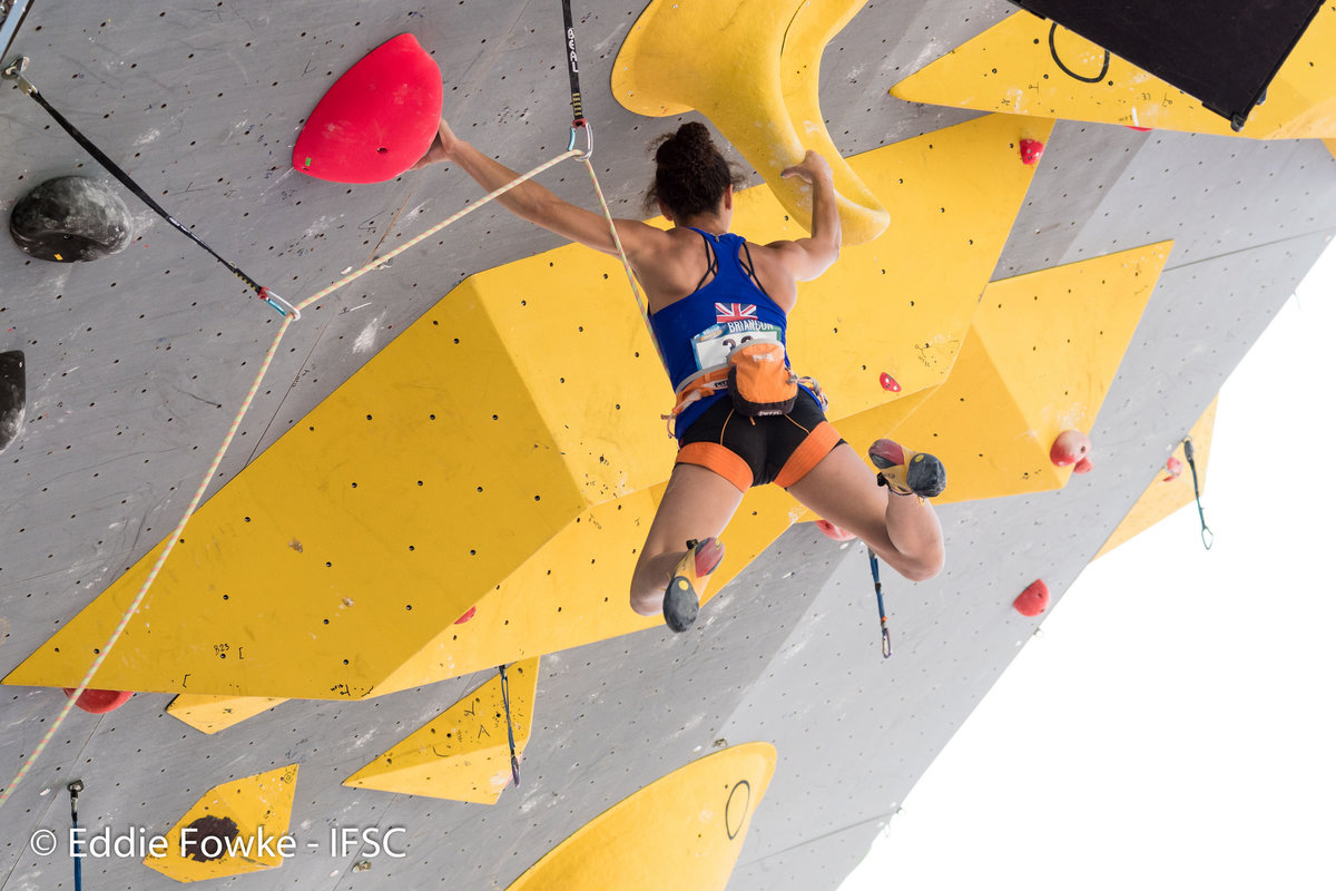 Molly Thompson-Smith climbing to 11th place , 175 kb