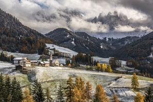 [Santa Maddalena and the Odle / Geisler peaks © James Rushforth]