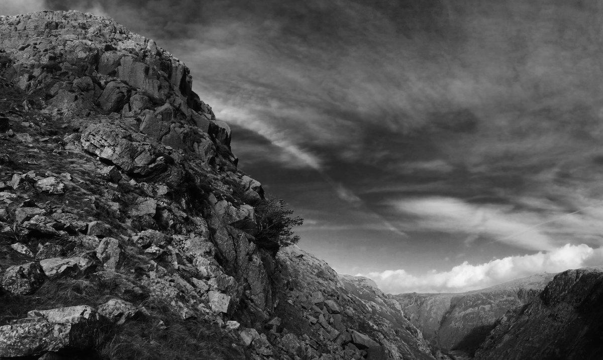 Cam Crag Ridge, site of the accident, 166 kb