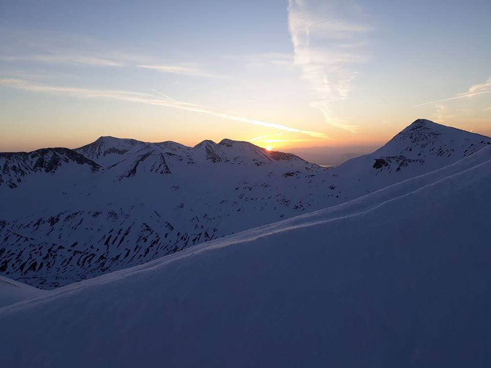 Sunrise in the Mamores © UKC News
