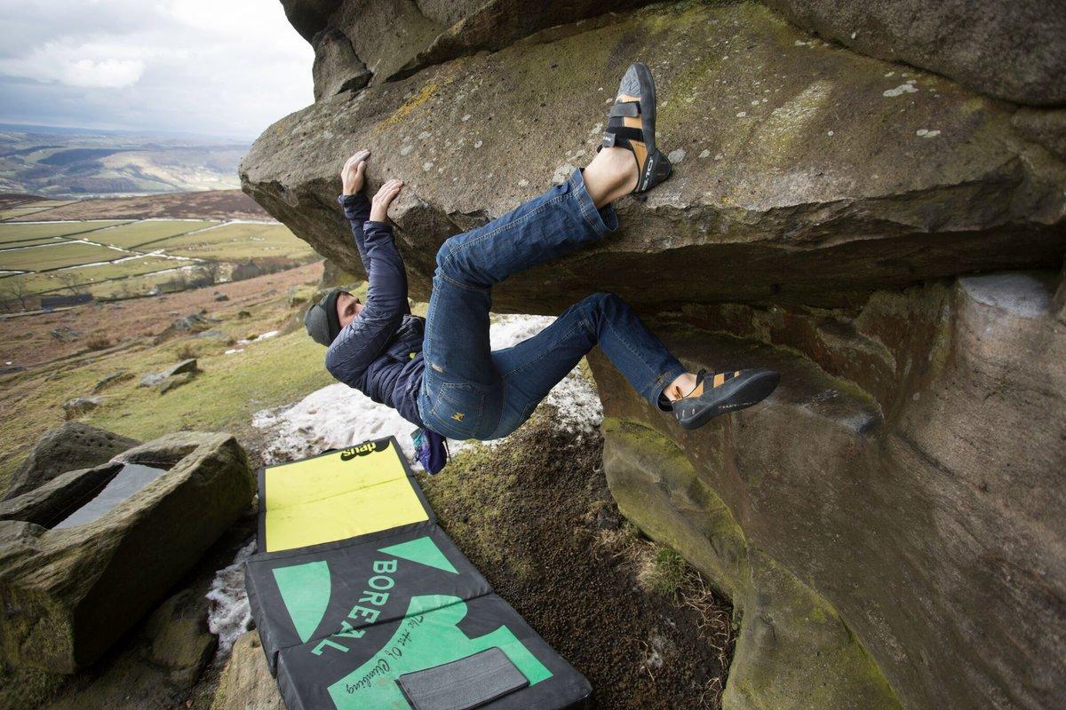 The Anasazi Pro providing secure heel hooks on Hamper\'s Hang © UKC Gear