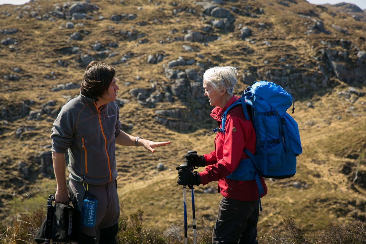 Simon directs Sheila on Suilven. © UKC Articles