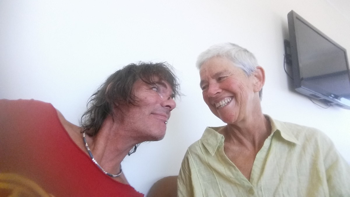 Andy and Louise at the hospital: post radiation therapy, pre-surgery. © UKC Articles