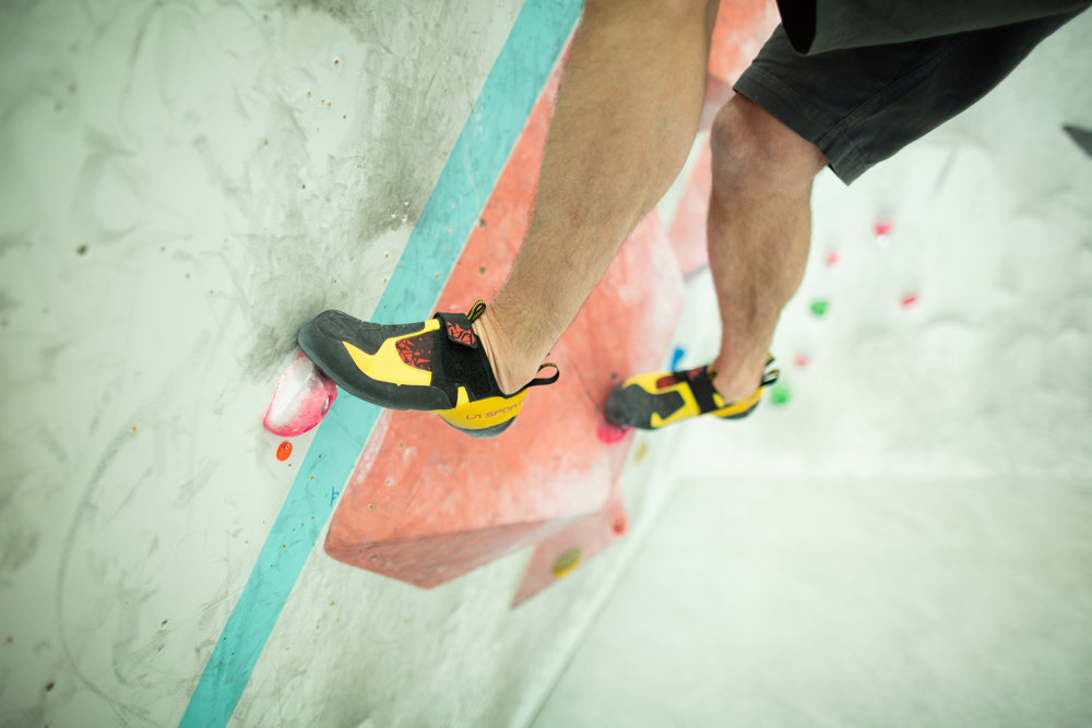 Pivoting helps to facilitate a loose and fluid climbing style © UKC Articles