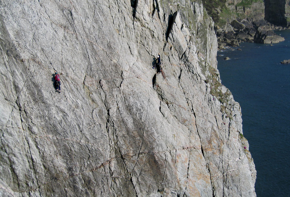 George and Paul on the classic A Dream of White Horses (HVS 4c), Gogarth, N Wales, 240 kb