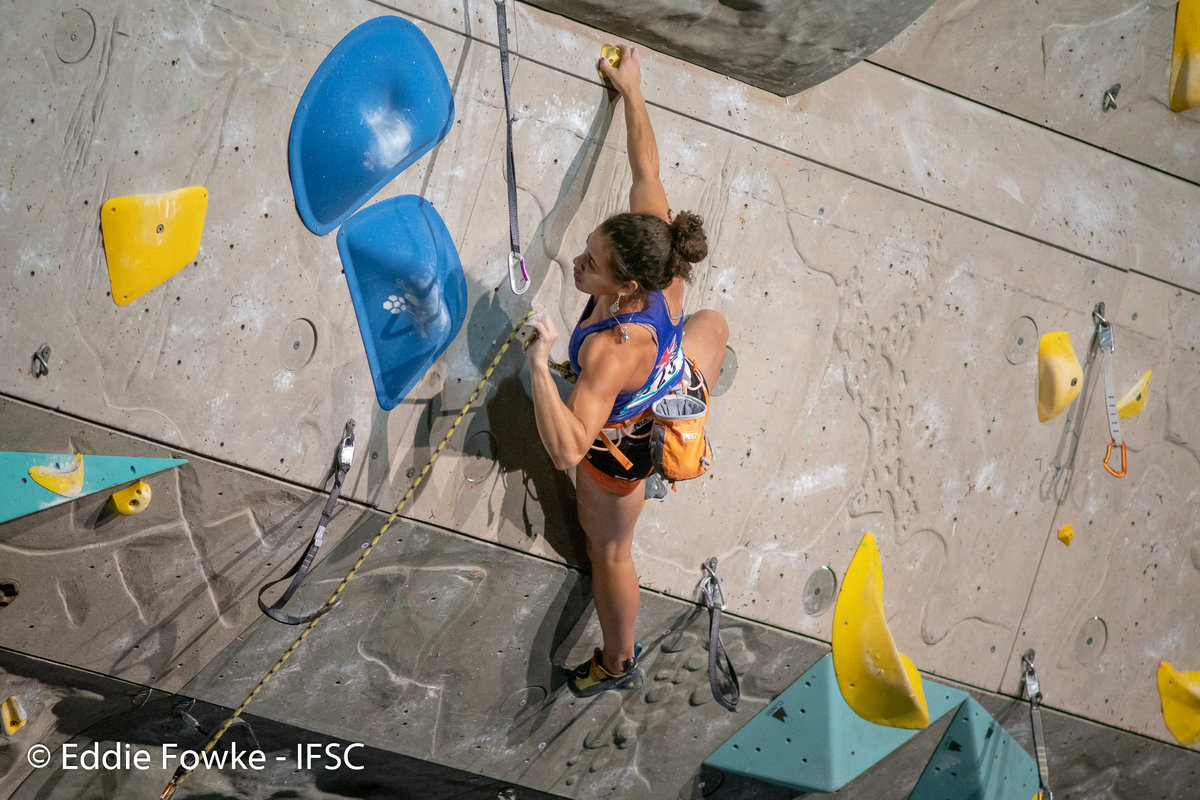 Molly Thompson-Smith climbing to 16th place in Kranj. © UKC News