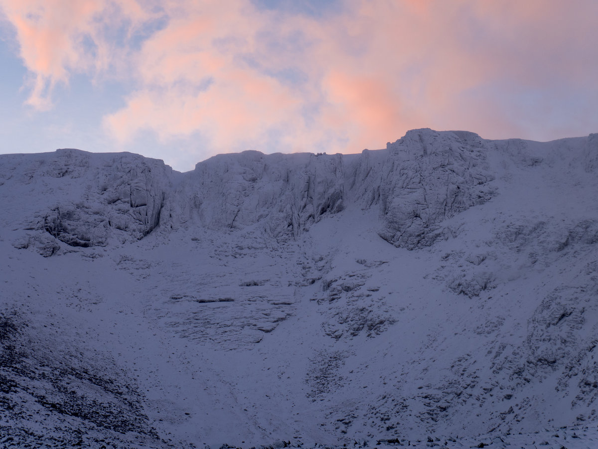Coire an Lochain with its winter coat on the 31st of October © UKC News