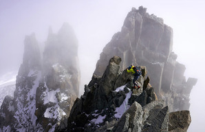 [Clouds rolling over the Arête du Diable © Hamish Frost]