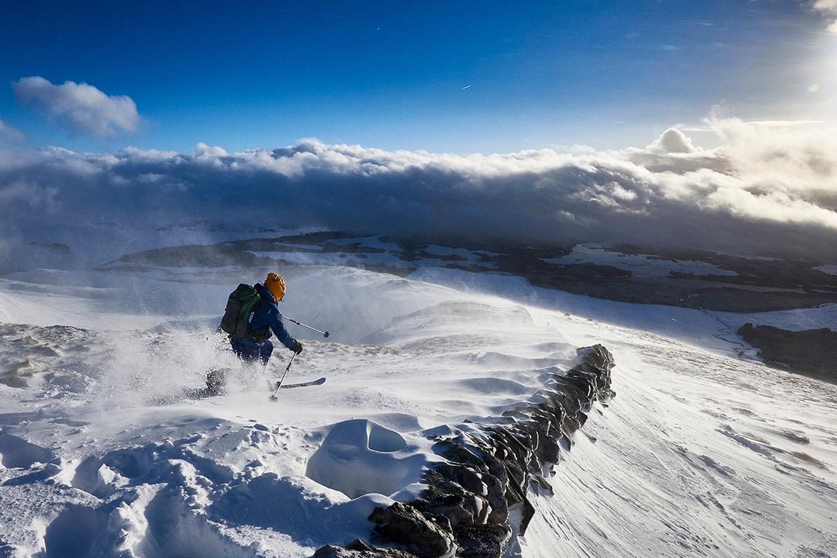 Early season telemark skiing on Creag Meagaidh © Hamish Frost