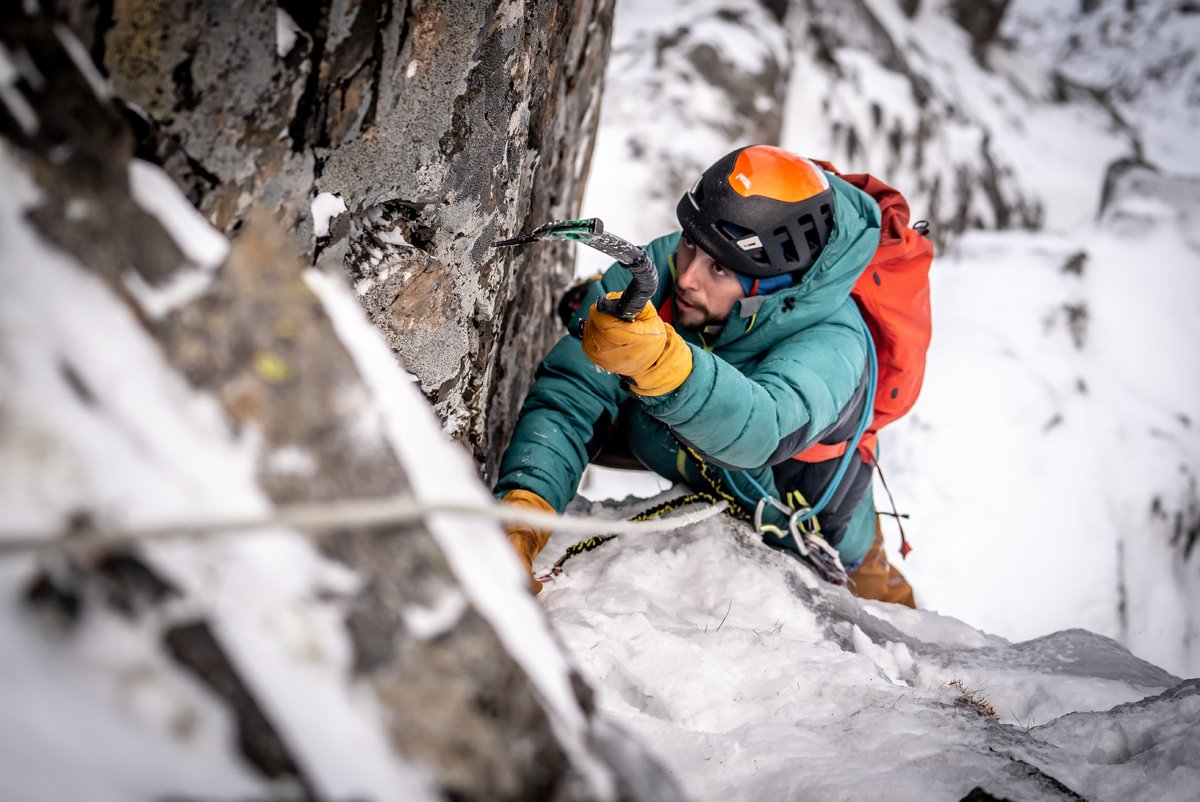 First pitch of Clough's Chimney © Brodie Hood