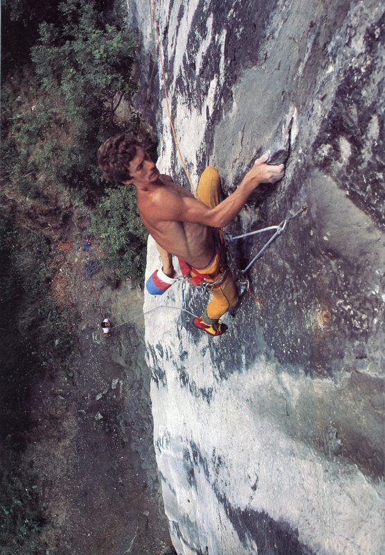 Ron Fawcett on the first pitch of The Prow at Raven Tor  © Leo Dickinson