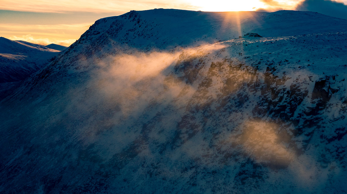 Final rays looking towards Cairngorm © Dave Redpath