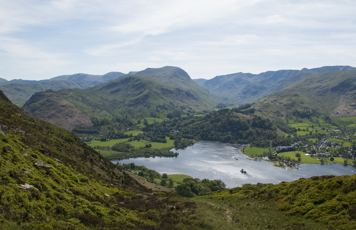 Ullswater, St Sunday Crag and the Helvellyn range from the sneaky wee path on Place Fell's western flank © Dan Bailey - UKHillwalking.com