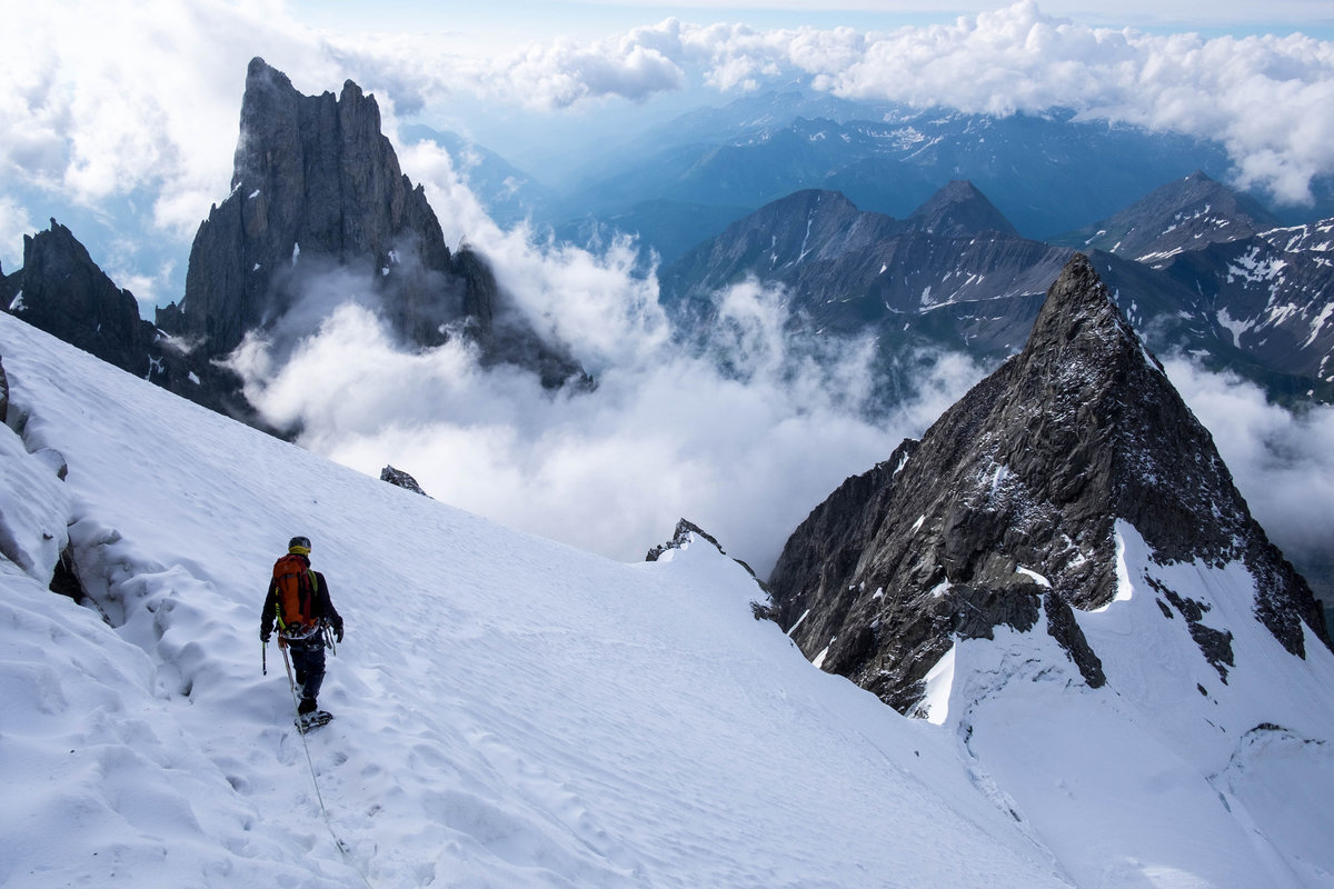 Descent from the Eccles bivouac after climbing Bonatti-Oggioni Route on the Brouillard Pillar, south face of Mt. Blanc © Lenka Hubáčková