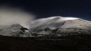 [Night ascent - the approach to Yr Elen's NE Ridge through Cwm Caseg © Alistair Jones]