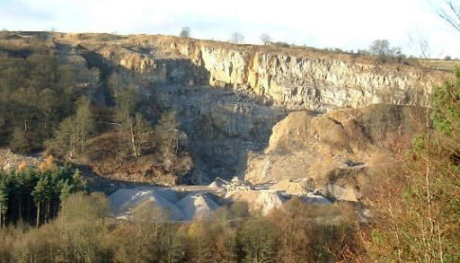 Quarrying at Longstone Edge, 59 kb