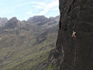 [Tim Miller pulling shapes of pitch 1 of Skye wall. © Rebekah Drummond ]