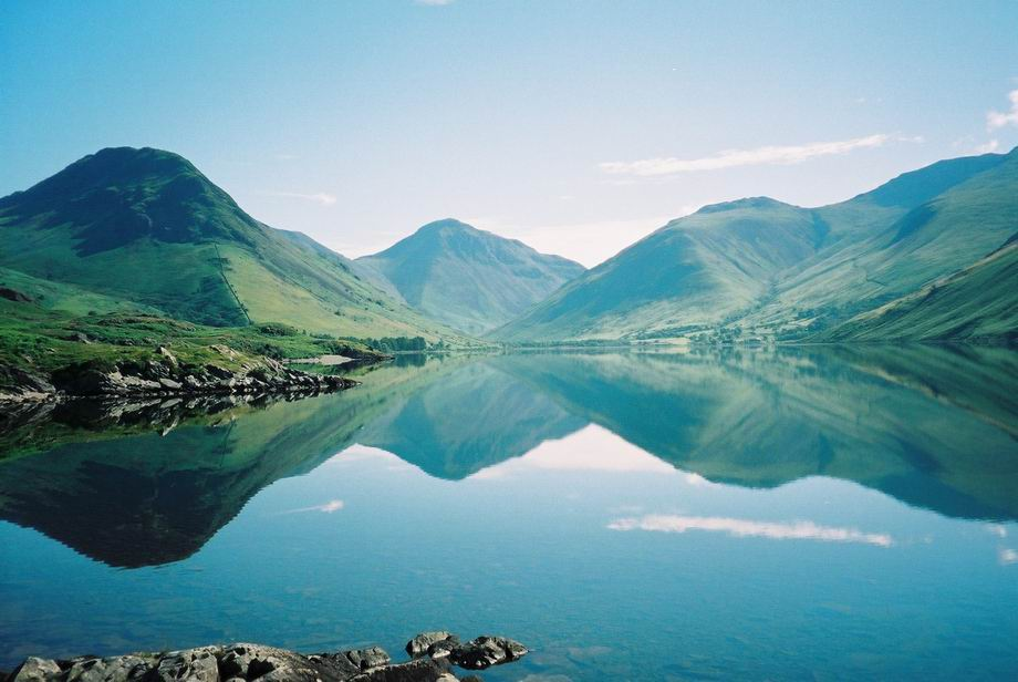 Wasdale and surrounding mountains, 70 kb