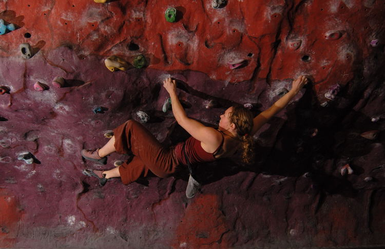 Bouldering at Clmb Rochdale , 74 kb