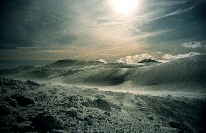 Cairngorm plateau from above Aladdin's Buttress, 87 kb