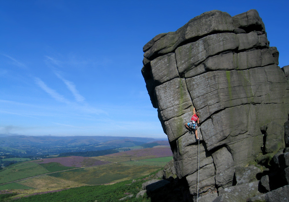 Lucy Creamer on The File (VS 4c), Higgar Tor, Peak District, 233 kb