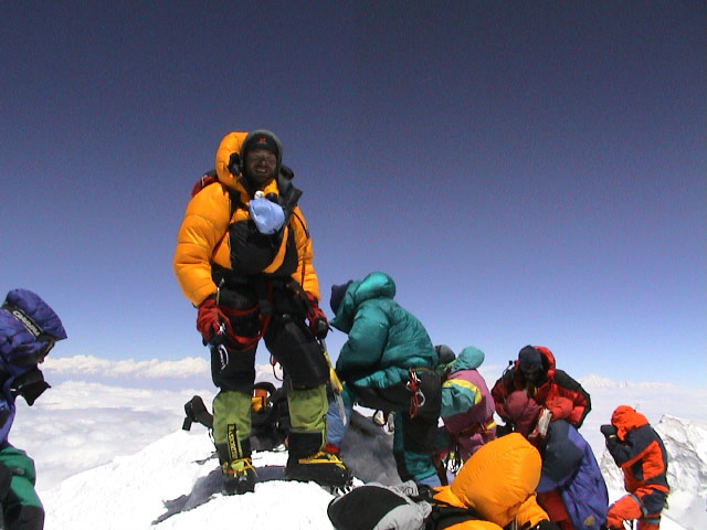 Stuart Peacock on the summit of Everest - 16/05/2002, 1.00pm, 61 kb