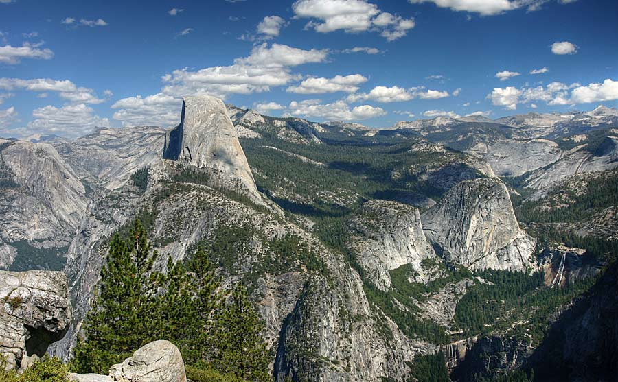 Yosemite view with Half Dome, 117 kb