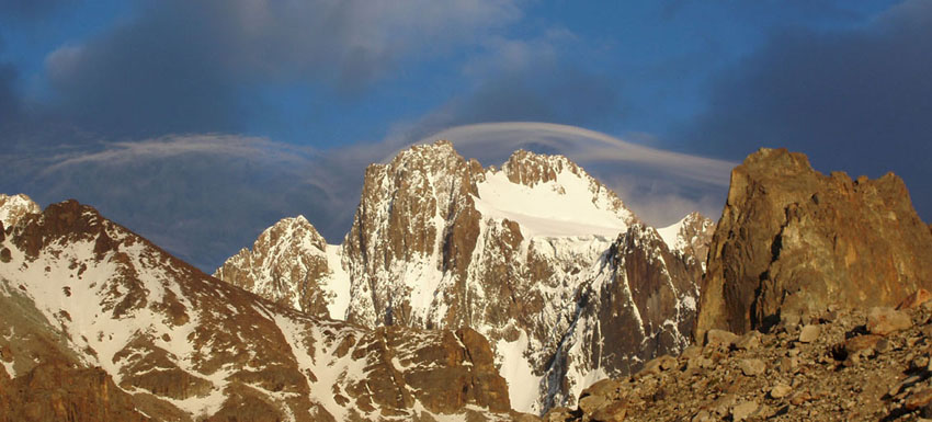 Pik Korona, Kyrgyzstan (4,860m), 92 kb