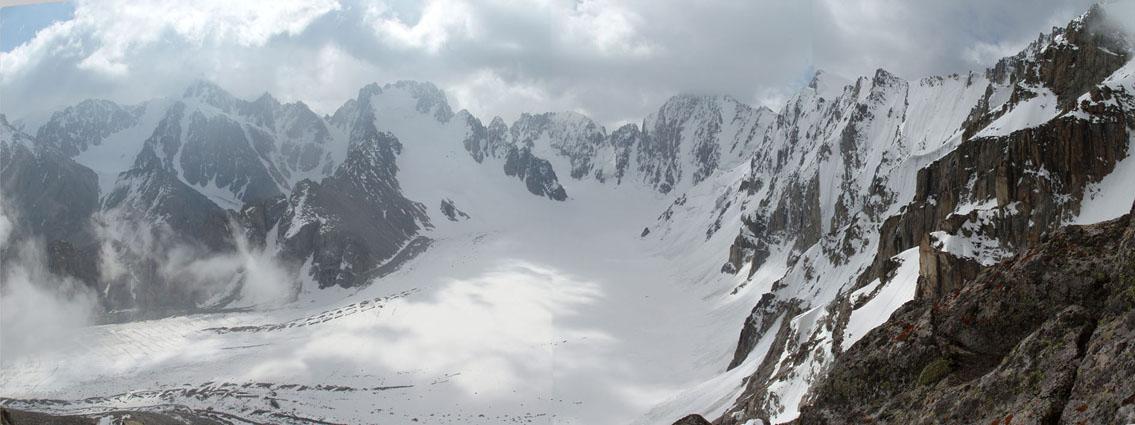Pik Korona (4,860m) & Ak-Sai Glacier, 104 kb