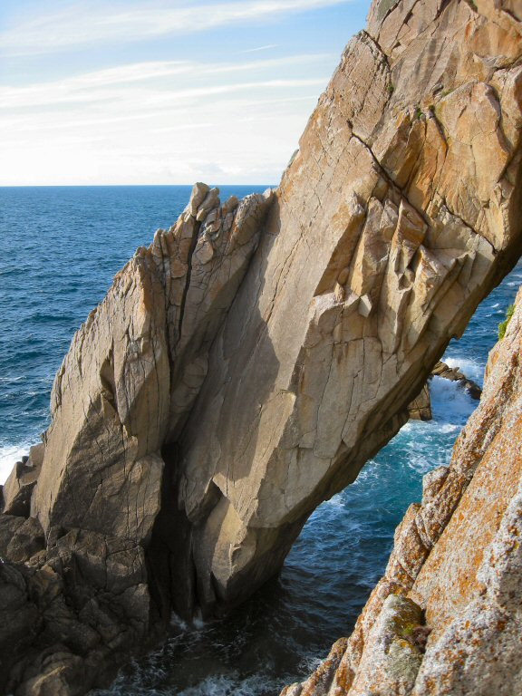 Flying Buttress, Lundy, 118 kb