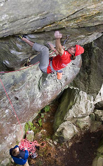 Dave MacLeod on Body Swerve 8c, The Anvil, Loch Goil, 95 kb