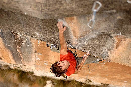 Edu Marin on A Muerte 8c+/9a, Siurana, 65 kb